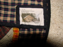 The mandatory label with a photo of the cabin